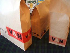 VAN 紙袋3